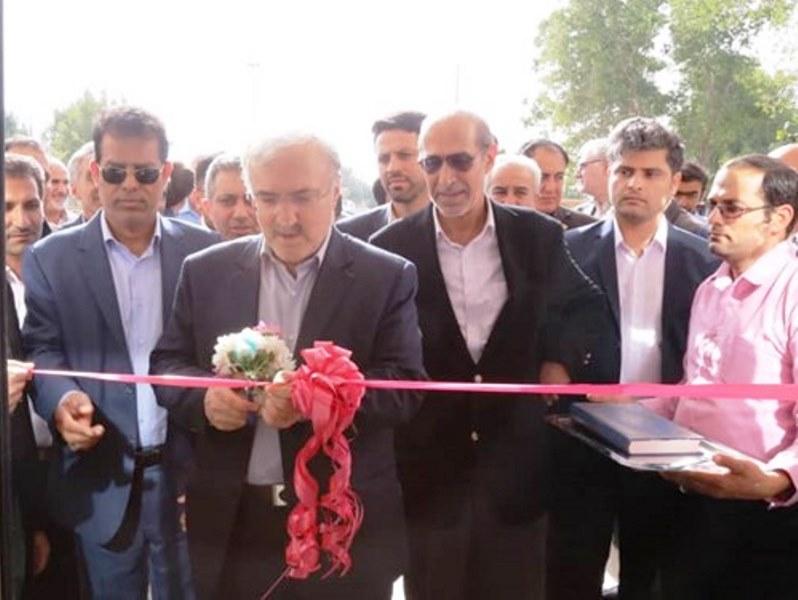 وزیر بهداشت/ افتتاح درمانگاه خورموج