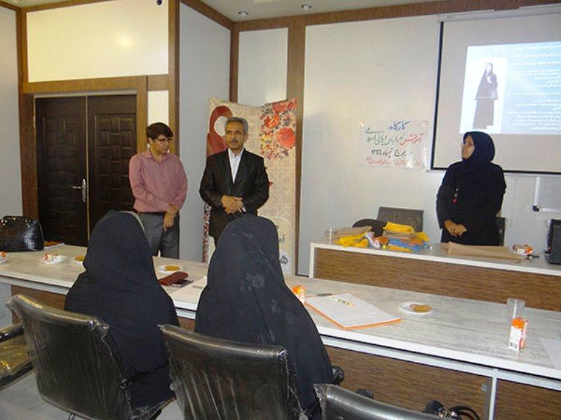 کارگاه مد و لباس ایرانی در دشتی